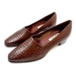 Vintage NINE WEST brown leather woven flats